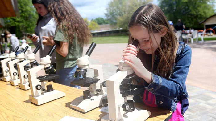 STEAM Extravaganza microscope Apr18